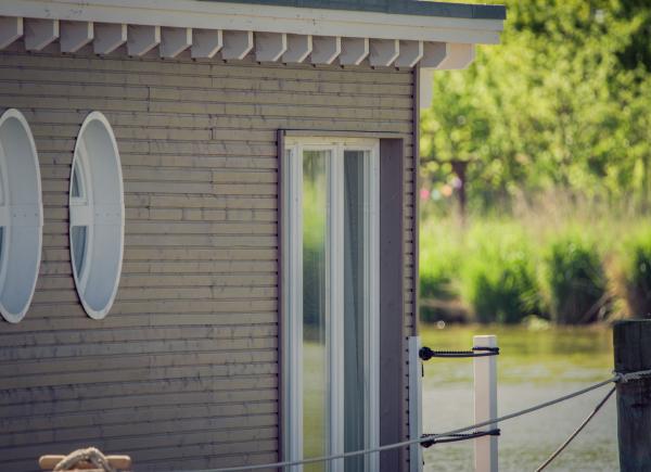 naturhafen-schwimmende-suiten-034