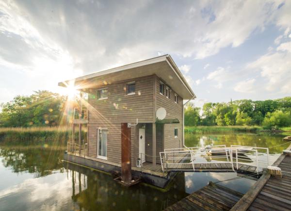 naturhafen-floating-house-006