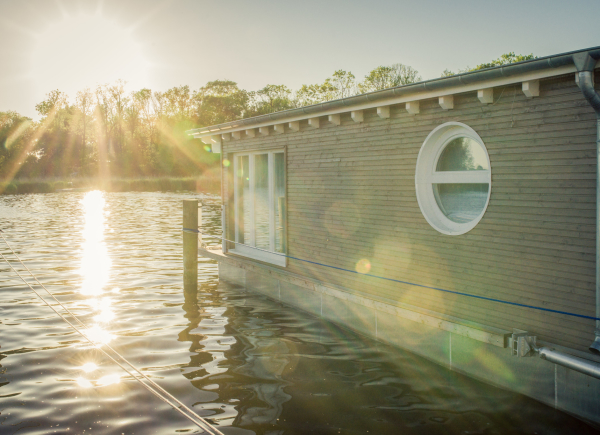 naturhafen-schwimmende-suiten-078